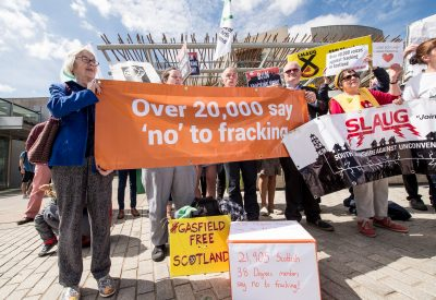 38_DEGREES_FRACKING_PETITION_DN-4-400×275
